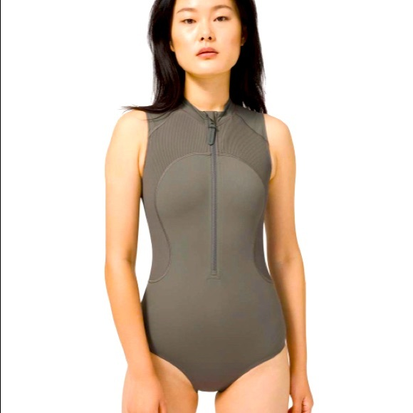 Lululemon wade in the waters paddle suit size 8